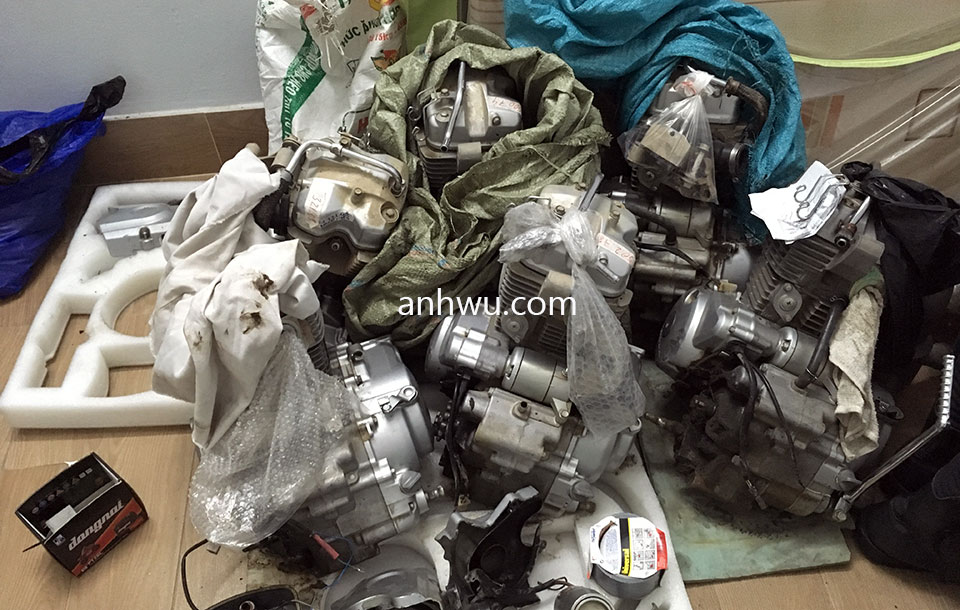 Vietnam off-road and touring motorbike parts for sale in Hanoi, Northern Vietnam. Honda XR125L engines.