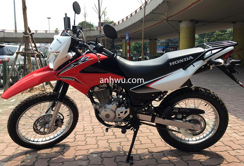 Vietnam Motorbike Price, Touring Motorcycles & Scooters. New small manual touring bikes