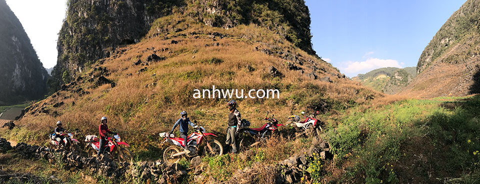 Vietnam Motorbike Tours, fully-guided in alarge group from Hanoi to Ha Giang - Anh Wu