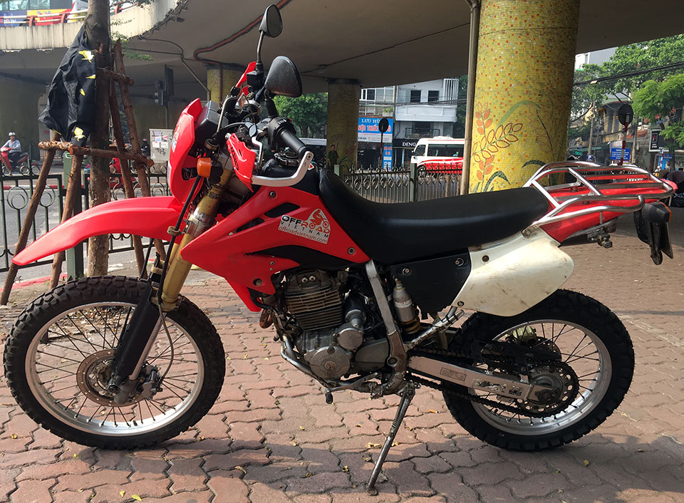 Vietnam Used Motorbikes For Sale In Hanoi. Real dirt bikes Honda XR250 dual enduro.